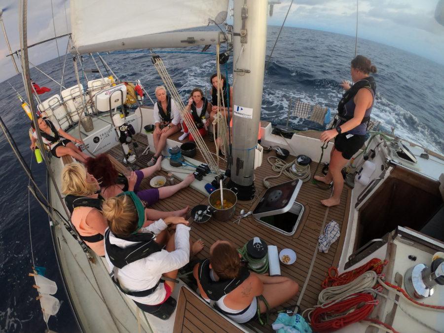Mujeres en el barco exxpedition